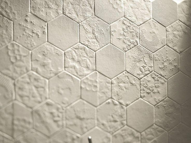 Mosaico per bagno a Varese: perché sceglierlo e a chi affidarsi