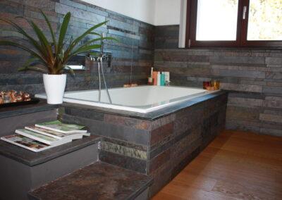 Casa Privata Azzate bagno riv. in pietra naturale